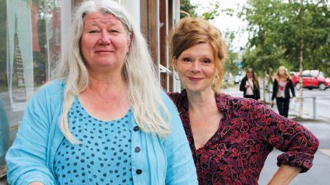 """Karin Larson och Kajsa Reicke grundade Tantteatern 2012 och sedan dess har kvartersteatern på Haga varit en unik del av Umeås kulturliv. """"Vi vill göra scenkonst efter eget huvud"""", säger Kajsa Reicke.  Bild: Liselott Holm"""
