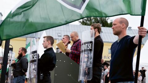 Nästen hälften av Sveriges kommuner anger högerextremism som det största hotet på deras ort. Foto: Janerik Henriksson / TT