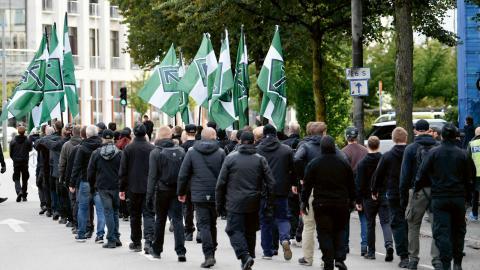Under söndagen samlades NMR-anhängare i Göteborg för en olovlig demonstration som följde den rutt som nazistgruppen tidigare ansökt om att gå, men där polisen gett avslag. Foto: Björn Larsson Rosvall /TT