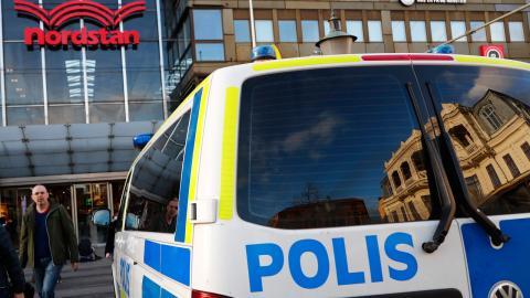 Ett terrorhot har riktats mot Stockholm. Men det påverkar inte Göteborgspolisens arbete. – Det finns ingen påverkan på vår verksamhet, säger presstalesman Stefan Gustafsson. OBS: Bild från tidigare tillfälle. Foto: Thomas Johansson / TT