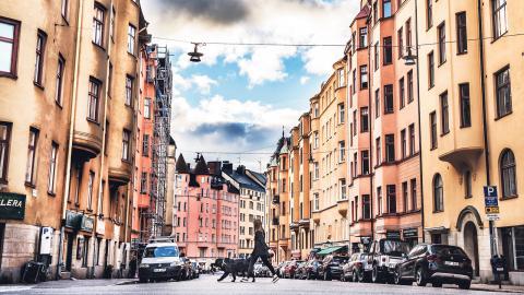 """""""Ekonomiskt rensade stadsdelar tenderar att urholka hyresrätten som bostadsform"""", skriver debattörerna. Bild: Tomas Oneborg/TT"""