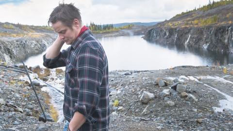 Krister Fjällstedt och hans arbetskamrater ser till att vattenreningen vid Blaikengruvan fungerar dygnet runt, året om. Utan vattenrening skulle 80–100 ton zink och andra metaller årligen läcka ut till Juktån.  Bild: Erland Segerstedt
