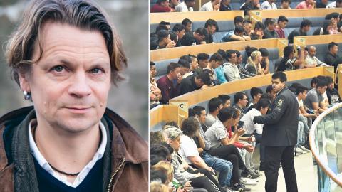 """""""Man får för sig att flyktingarna är en kostnad punkt slut. Men vad man glömmer är att när staten tar denna 'kostnad' och spenderar, ja då tar ju pengarna vägen någonstans. De dyker upp som inkomster och tillgångar på andra ställen i ekonomin"""" Bild: Nedžad-Mešic & Claudio Bresciani/TT"""