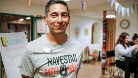 Christian Elmberg arbetar vid Frinavet och är en av initiativtagarna till arbetet med att förändra bilden av Navestad.  Bild: Monica Hansson