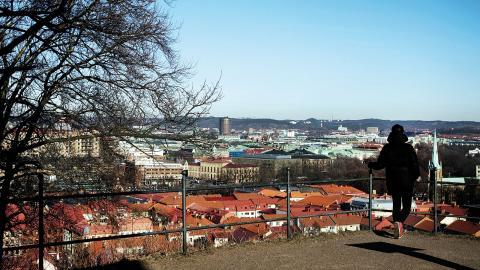 I Göteborg har vi haft bostadsbrist länge. Sedan år 1990 har Göteborg fått cirka 124000 fler invånare, men endast 39000 bostäder har tillkommit under den tiden, skriver debattören. Foto: Erik Abel / TT
