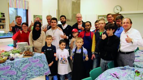 Det är andra omgången för Pappornas kök och i år deltar 16 pappor.  Bild: Anna-Stina Stenbäck
