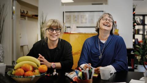 Diakonicentrum. Från vänster: Viktoria Witt och Kristina Nedell, diakoner.  Bild: Karoline Montero Araya