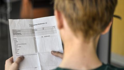 """""""Vi ska ha skolor där det är eleverna och själva verksamheten som är det viktiga"""", skriver debattören.  Bild: Anders Wiklund/TT"""