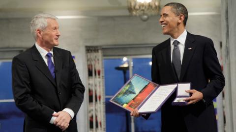 Thorbjørn Jagland och Barack Obama under prisceremonin 2009. Bild: John McConnico/AP/TT