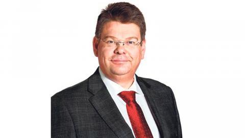 Kommunalrådet Thord Karlsson (S) försvarar inköpet av Office 365.  Bild: Press
