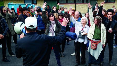 Demonstration vid Migrationsverkets förvar på Sagåsen i Kållered, Göteborg, mot utvisning av ensamkommande till krigsdrabbade Afghanistan.  Bild: Thomas Johansson/TT