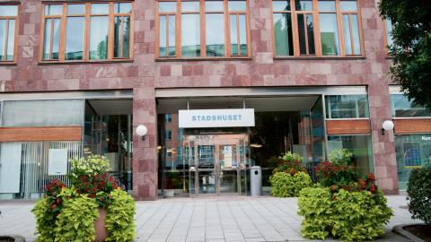 """Sverigedemokraterna har problem med närvaron i kommunfullmäktge. Ofta står två av fem platser tomma. """"Den låga närvaron har sina orsaker, som sjukdom."""" Bild: Johannes Frandsen"""