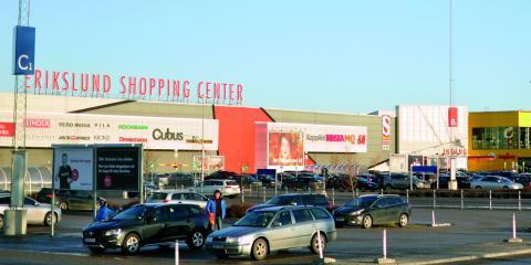 På Erikslunds shopping center kan man räkna med full fart fram till jul. Bild: Joni Nykänen