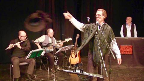 Frödingsällskapet spelar Mannen från månen i ett gästspel på Göteborgs dramatiska teater. Bild: Privat