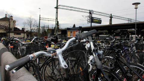 Platsbristen på cykelparkeringarna är stor. Malmö kommer därför att följa Lunds exempel och införa tidsbegränsad cykelparkering.  Bild: Jenny Wickberg