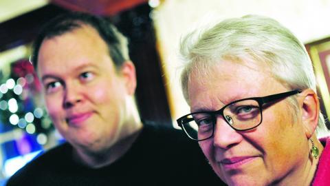 """Håkan Wester och Birgitta Stridh är några      av krafterna bakom Picnicon. """"Vi gör det här ideellt och utan vinstintresse. Det handlar inte om att sälja en massa saker"""", säger Håkan Wester. Bild: Joni Nykänen"""