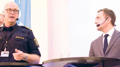 Storgöteborgs polischef Erik Nord samt Moderaternas rättspolitiska talesperson Tomas Tobé och det moderata kommunalrådet Jonas Ransgård. Bild Lucas De Vivo Foto: Lucas De Vivo