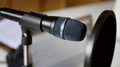Med dagens teknik är det inte särskilt svårt att göra en podcast hemma . Bild: Jessica Gow/TT