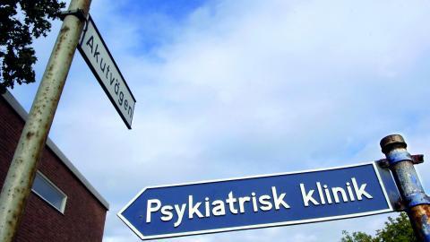 """""""Det verkar som om psykiatrin i Örebro skickar över sjuka människor till LOV bara för att bli av med dem."""", skriver debattören.  Bild: Björn Larsson Ask/TT"""