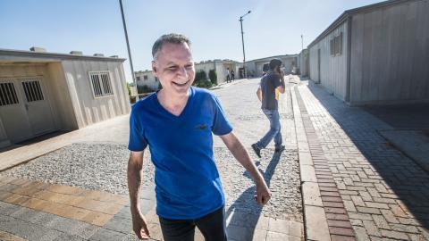 Entreprenören Bashar Masri, en av Palestinas rikaste personer, är trots de många motgångarna fylld av självförtroende. Han är övertygad om att Rawabi kommer att bli ett draglok för den palestinska ekonomin.