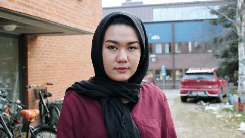 Fatemeh Khavari är ute på Sverigeturné tillsammans med tre andra tjejer från Ung i Sverige. Inga killar från nätverket fick lov att följa med den här gången. – Det är dags för tjejerna att ta plats.  Bild: Britta Söderberg