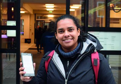 """Victoria Ben-Chivar vill få fler att ta bättre bilder med mobilen. """"Vi vill att folk ska kunna ta sitt mobilfoto till nästa nivå!"""", säger hon.  Bild: Jon Forsling"""
