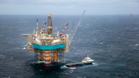 Norge utmärker sig som ett miljömedvetet land som satsar på elbilar och koldioxidinfångning – samtidigt som de fortsätter att borra efter olja i Arktis.  Bild: Hakon Mosvold Larsen/NTB scanpix/AP
