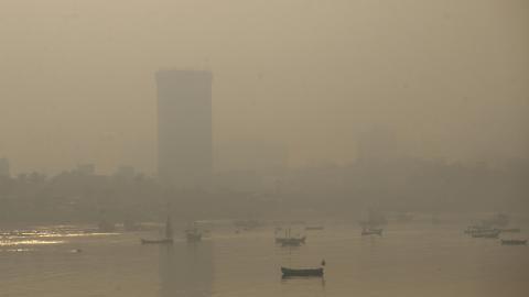 Smog i Mumbai, Indien. Bild: Rafiq Maqbool/AP/TT
