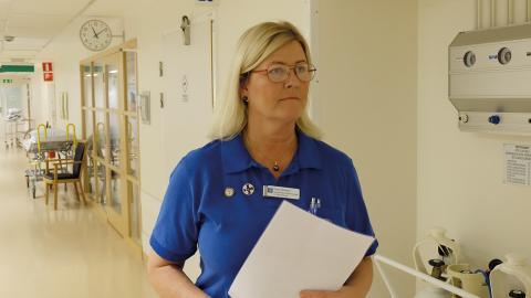 """""""Jag tror det är en generationsfråga, säger Ulrika Ottosson, vårdenhetschef på förlossningen på Vrinnevi.""""Många unga är inte beredda att arbeta obekväm arbetstid. De väljer jobb efter arbetstider."""" Bild: Malin Wernström"""
