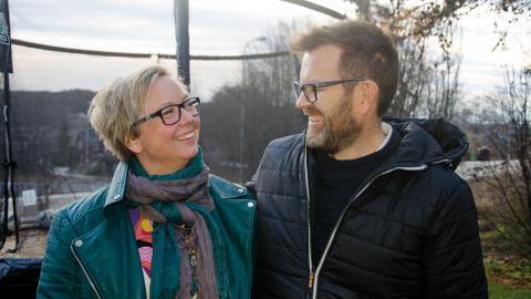 Malin Sandin och Sven-Olov Sandin är familjehem för en sjuårig pojke.  Bild: Thomas Ekenberg