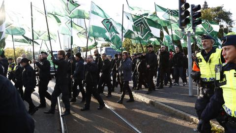 Nynazistiska Nordiska motståndsrörelsen under en demonstration i Göteborg.  Bild: Thomas Johansson/TT