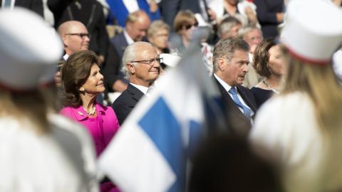 Finlands president Sauli Niinistö besöker Stockholm och öppnar tillsammans med kung Carl XVI Gustaf en festival i Kungsträdgården till minnet av 100-årsdagen av Finlands självständighet.  Bild: Henrik Montgomery/TT