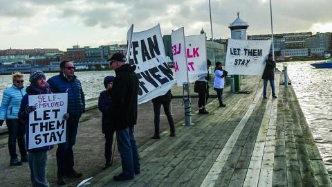 Ett nytt lagförslag presenterades i veckan där regeringen föreslår att de som kom till Sverige under 2015 och nu hunnit fylla 18 år ska få stanna för att fullfölja sina studier och därefter söka sig sysselsättning. Bild: Micke Larsson/TT