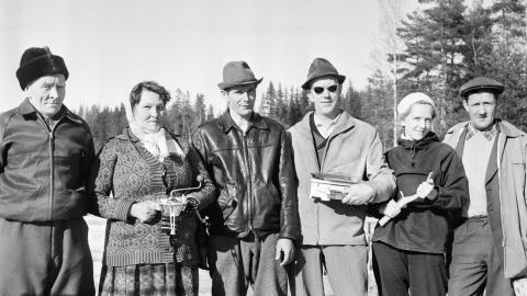 Deltagare vid pimpeltävling i Bredsjö 1960. Nya Kopparbergs Bergslags hembygdsförening