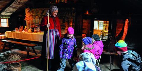 Den 2–3 december är det julstök på Kulturen med marknader, musik, pyssel samt hälsa på hos tomtefamiljen. Klockan 11–17 alla dagar.   Bild: Jenny Wickberg