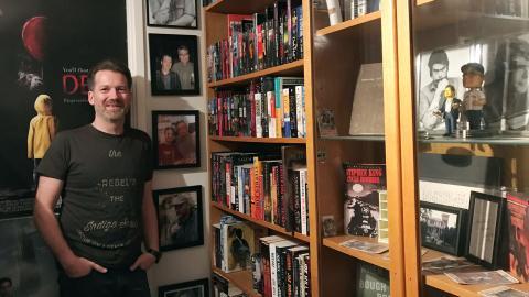 Att Hans-Åke Lilja tycker om Stephen King råder det ingen tvekan om när man besöker hans hem. Bild: Privat