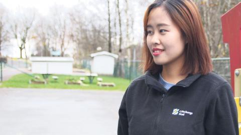 Förskoleläraren Lisa Chan, en av nio anställda på förskolan. Foto: Sanna Arbman Hansing
