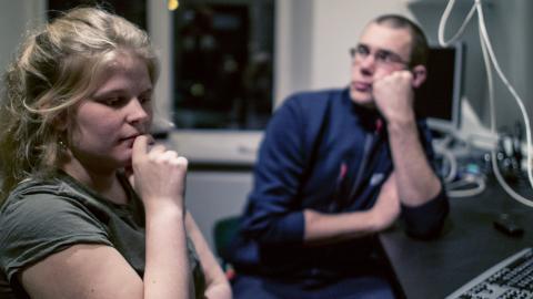 Fanny Isfeldt och Sebastian Dahlander är med och arrangerar ett forum för deltagandedemokrati i Jönköping i mars.  Bild: Daniel Johansson
