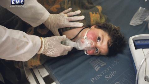 I oktober publicerade Organisationen för förbud mot kemiska vapen (OPWC) sin utredning om kemvapenattacken mot den syriska staden Khan Shaykhun. Bild: Edlib Media Center/AP/TT