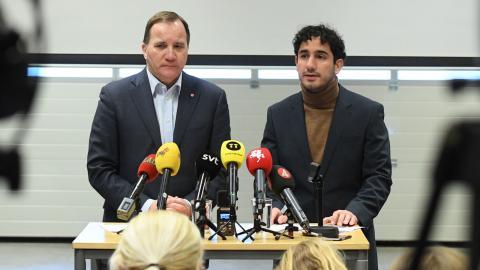 Statsminister Stefan Löfven och civilministern Ardalan Shekarabi under dagens presskonferens. Foto: Johan Nilsson / TT
