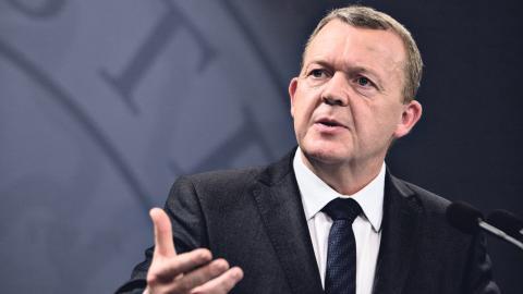 Danska statsministern Lars Løkke Rasmussen vill flytta på invånarna idet han kallar Danmarks ghetton. Bild: Joachim Adrian/AP