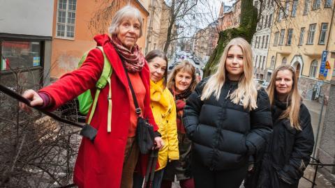 Berenike Alfvén, Birgitta Tulin, Karin Wahlberg, Linnea Steen och Kristina Bäck hoppas att årets Klimatriksdag ska föra upp klimathotet på agendan inför riksdagsvalet.  Bild: Elin Björklund