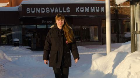 Sex timmar om dagen på jobbet är det som gäller för Stina Karlman och hennes kollegor på socialtjänsteni Sundsvall. Efter ett lyckat försök permanentas arbetstidsmodellen samtidigt som förkortad arbetstid införs på fler arbetsplatser inom förvaltningen. Foto: Thomas Ekenberg