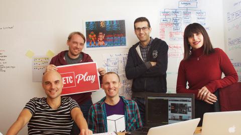 IT-folket som ska ge dig rödgrön video: Caspar Behrendt, Niklas Vanhainen, Samuel Skånberg, Mohammadreza Zarei och Sepideh Abbaszadeh. Bild: Karl Skagerberg