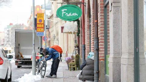 På grund av kylan förlängs insatsen med nattöppen kyrka ytterligare några månader. Hemlösa EU-medborgare kunde också använda Räddningsmissionens härbärge – men det stängs för rivning i veckan. Foto: Sanna Arbman Hansing
