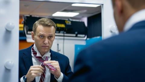 Alexej Navalnyj är den största oppositionsledaren i Ryssland. Men i söndagens presidentval har han förbjudits att ställa upp.  Bild: Alexander Zemlianichenko/AP