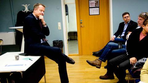 Anders Ygeman, före detta inrikesminister, nu gruppledare för Socialdemokraterna, träffade fackliga företrädare i Göteborg när han besökte Göteborg.  Foto: Lucas De Vivo