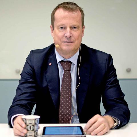 Anders Ygeman under sitt besök i Göteborg. Foto: Lucas De Vivo