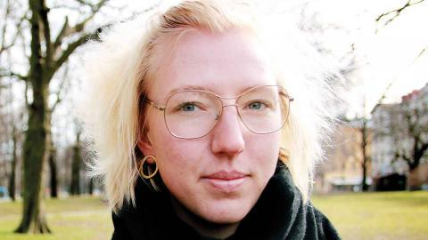 Jennie Nyberg, Fossilgasfällan, tror inte på att den flytande naturgasen kommer att ersättas med biogas i LNG-terminalen som är planerad i Göteborgs hamn. Foto: Annelie Moran