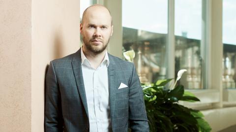 """""""Svenskt Näringsliv har ett ansvar för den typen av saker när de varit med och finansierat det"""", säger Joakim Broman, liberal ledarskribent och tidigare PR-konsult."""